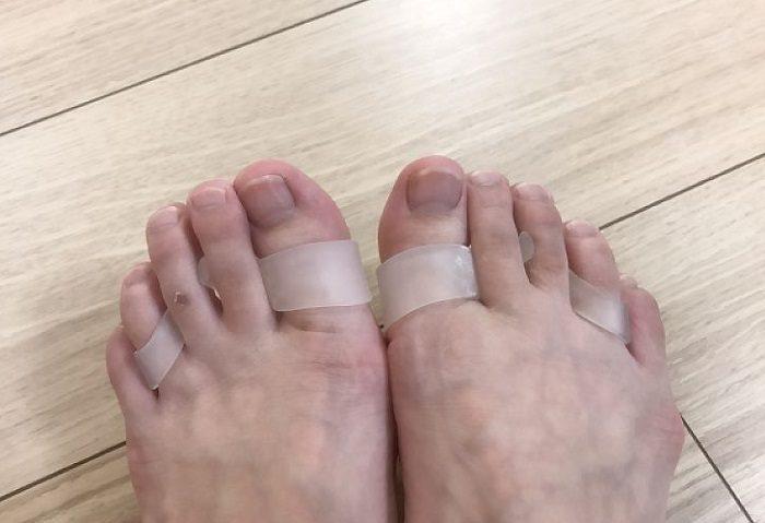 パッドをつけた状態の足